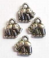 4 x Antiek zilveren metallook bedel olifantje 10 mm