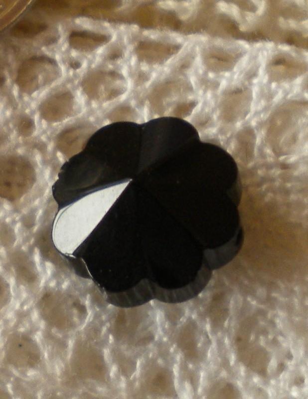 Prachtige facetkraal bloem 12 x 6,5 cm zwart