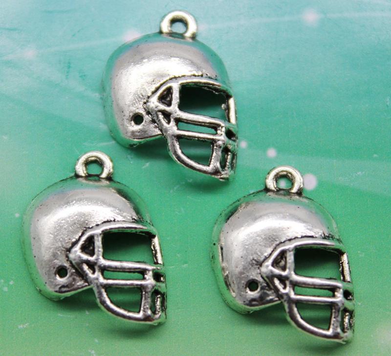 5x Tibetaans zilveren bedeltje van een honkbal helm  20 x 15mm oogje: 1,5mm