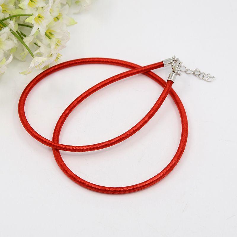 Prachtig zijden koord 3,2mm diameter, lengte c.a. 43cm incl. verlengketting rood