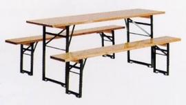 biertafel met 2 bankjes