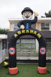 Abraham Boog 3,5 meter hoog