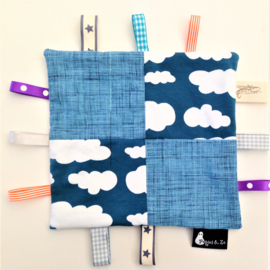 Labeldoekje clouds blue patchwork