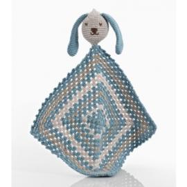 Pebble knuffeldoek konijn blauw fair trade gehaakt