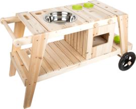houten buitenkeukentje, planten- zand en modder tafel, multifuctioneel!