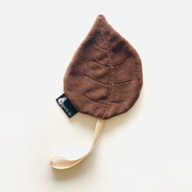 Speendoekje velvet leaf blad bruin