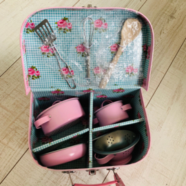 Sass & Belle keuken kookset pannenset pink polka dot roses B-keus (mist 1 pannetje)