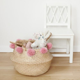 Camcam belly basket Rose 30x38 - zeegras mand met roze pompoms
