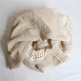 hydrofiel doek swaddle beige met vintage franje band