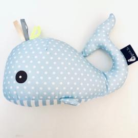 Knuffel Wally walvis babyblauw labeltjes