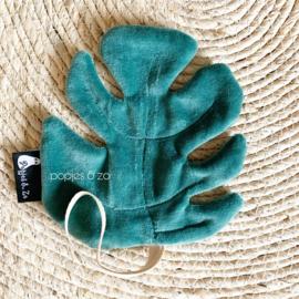 Speendoekje velvet leaf monstera saffier (donker petrol) groen