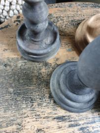 Zwart houten kandelaar nr 2