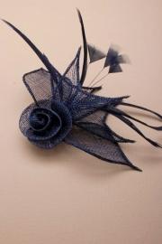 Donker Blauwe Sinamay Fascinator