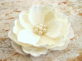 Parel Magnolia Haarbloem Ivoor
