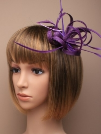 "Paarse Sinamay ""Strik"" Fascinator"