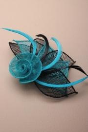 Sinamay Bloem Fascinator Turquoise & Zwart