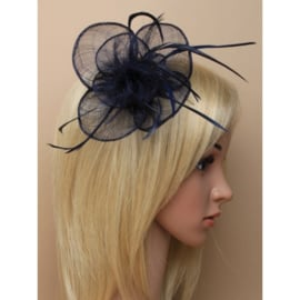 Navy Blauwe Sinamay Fascinator