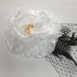 White Flower & Net Hair Clip