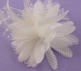 Haarbloem met Kraaltjes Wit