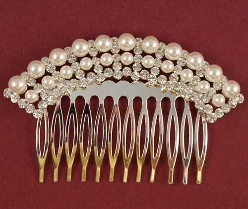 Classy Pearl Comb