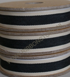 Black stripe with cream edge