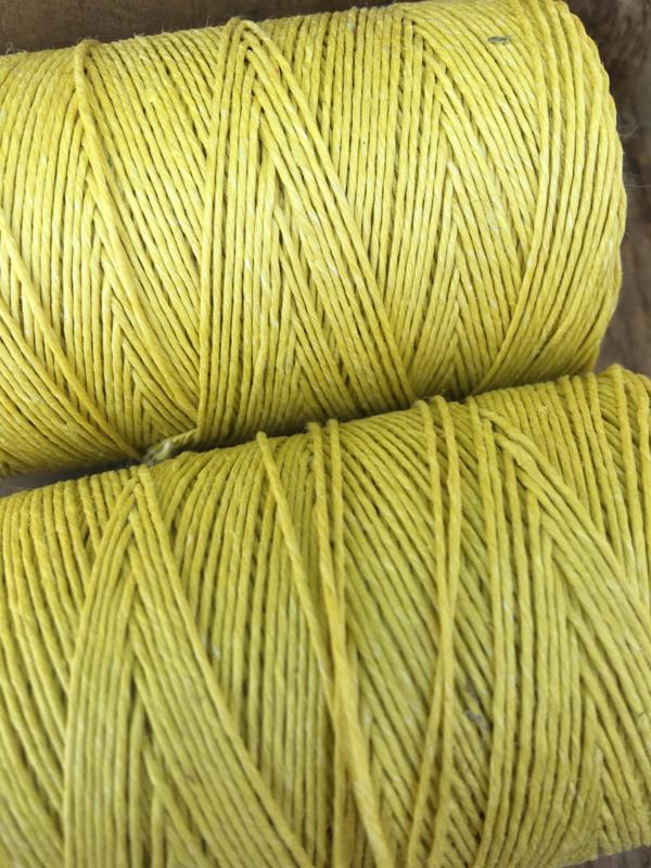 Linen thread yellow
