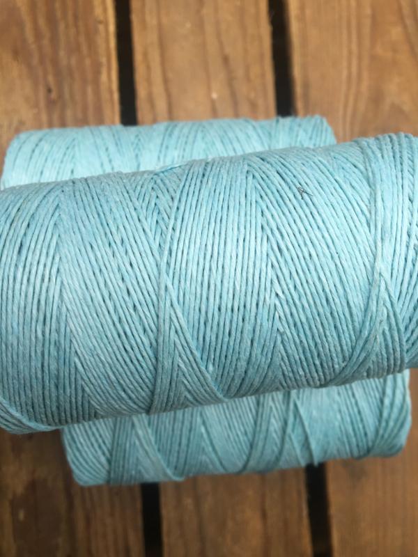 Linen Thread light blue / linnen draad licht blauw