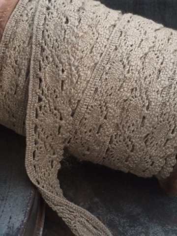 Taupe Kant 100% katoen ... Taupe lace 100 % cotton