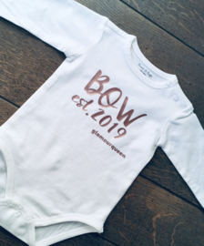 Ropertje met naam en geboorte jaar