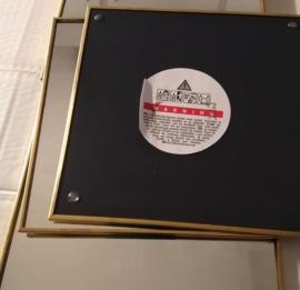 wandspiegel of decoratiespiegel/ 6 stuks/ vierkant/  15 x 15 cm/ met gouden rand/ niet voor kinderen