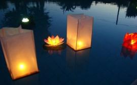 Drijvende houten lantaarns 1 pak - 2 stuks..