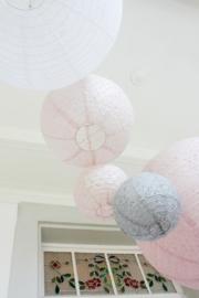 Roze lampion bloemetjes motief 35 cm