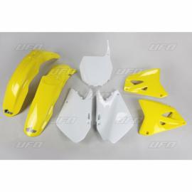 COMPLETE PLASTIC KIT   '03-'05