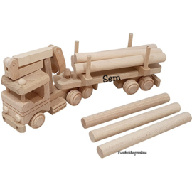 Vrachtwagen met kraan en boomstammen beukenhout met naam