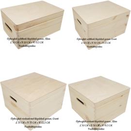 Geboortedoos / houten kist met naam en jungle dieren