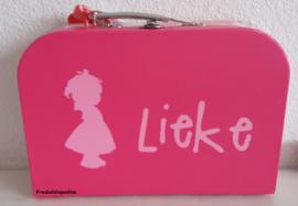 Koffertje met naam en meisje