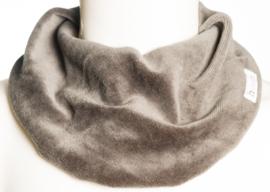 Donkerbruin velours sjaal