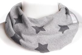 Lichtgrijs sjaal met sterren