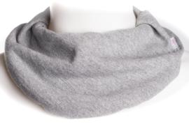 Lichtgrijs gemêleerd sjaal
