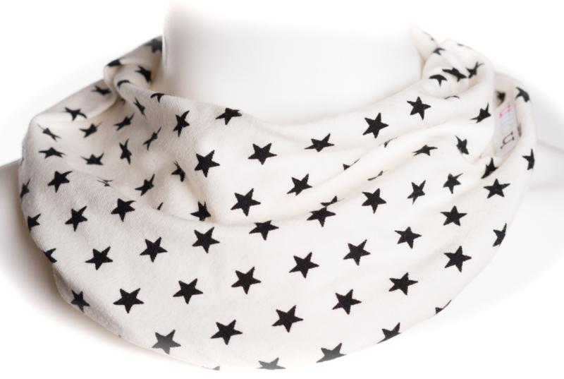 Off-white met zwarte kleine sterren