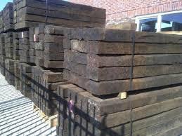 Hardhouten biels 250 x 25 x 15 cm. PER 10 STUKS