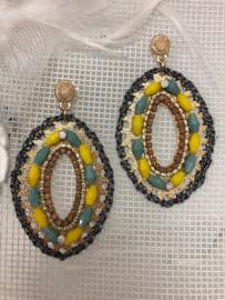 """sweet7"" goudkleurige oorstekers en hanger met geel/groene facet geslepen glaskralen"