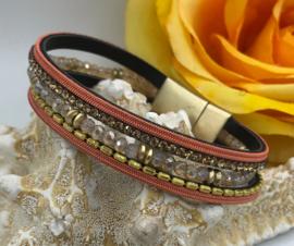 oranje lederen armband met kralen en magneetsluiting