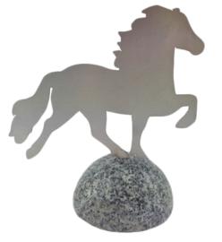 Karlslund Decoratief paard, roestvrij staal op gepolijste granieten steen