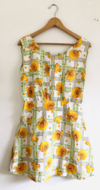 Vintage jaren 70 mini jurk  met chrysanten 36)