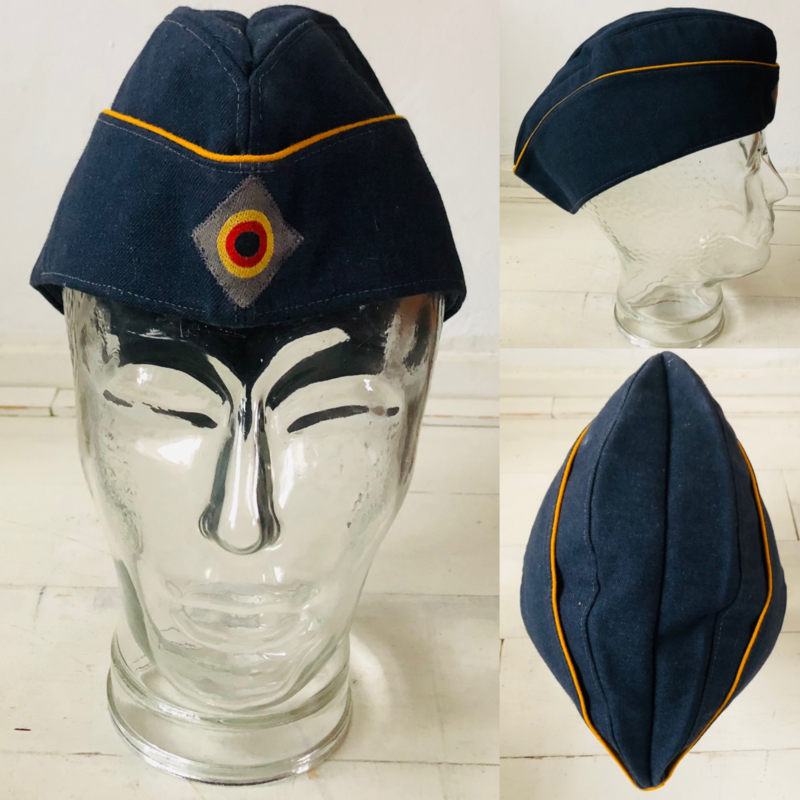 Vintage 70 ties  British army baret