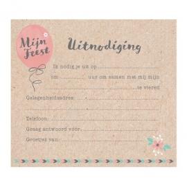 Uitnodiging communie op kraftpapier met ballon en speels lettertype