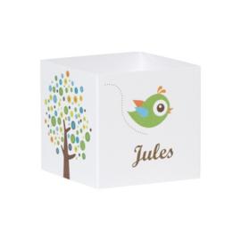 Wikkel met kleurrijke boom en groene vogel