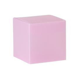 Roze kubus in kunststof