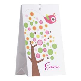 Snoepzakwikkel kleurrijke boom met roze vogel